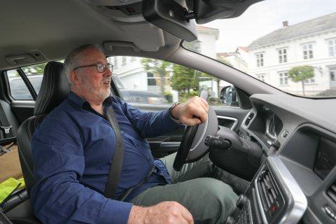 TRIST: Ordfører Per Kr. Lunden sier han syntes det er veldig trist at Klaro, med sine 17 ansatte, nå søker seg ut av Risør kommune. Årsaken er næringsveiens død, fortelles det.