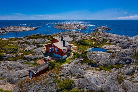 Prisantydningen på hytta som er bygget i 1955 er på 12 000 000 kroner.
