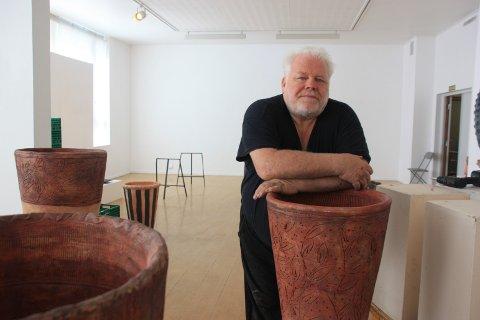 Arnfinn Strand er klar med sin største keramikkustilling på 30 år. I sommer kan du få se det ferdige resultatet i Kunstparken.
