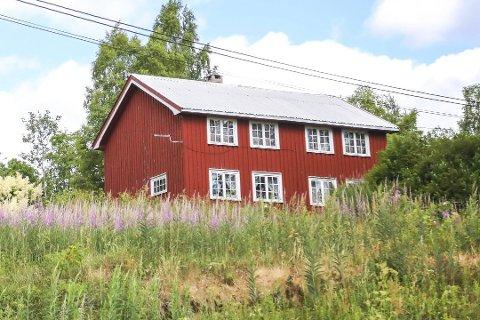 TVANGSSALG: Boplikt-striden på Bakken i Gjerstad har pågått i over ti år, men i juni 2019 bestemte tingretten at eiendommen skal tvangsselges.