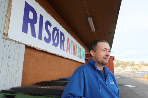 Daglig leder av Risør Akvarium, Wieger van Brunschot er overlykkelig over at de endelig kan åpne dørene for besøkende igjen.