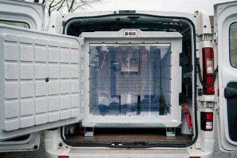 Her er en av bilene som skal brukes til transport av koronavaksinen når den ankommer Norge. Foto: Fredrik Hagen / NTB Foto: Fredrik Hagen