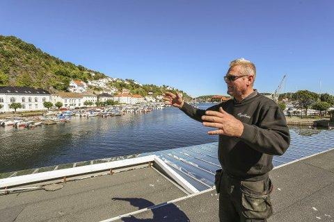 VENTER PÅ EN ULYKKE: Kjell MacDonald tok opp grunna utenfor den nye moloen på Holmen i sist møte i miljø- og teknisk komité.