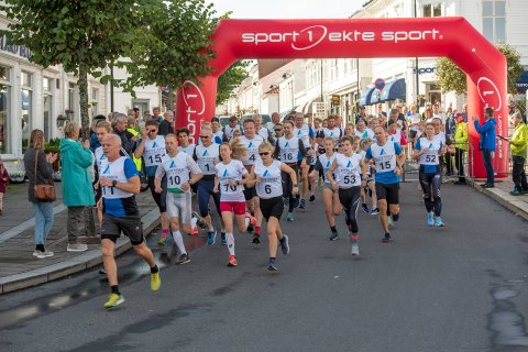 Konvoiløpene på fem og ti kilometer gikk under Risør Festuke i fjor.