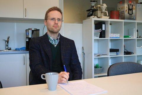 Kommuneoverlege Tormod Akeren forteller at planen for vaksinering mot Covid-19 i kommunen, snart er klar.