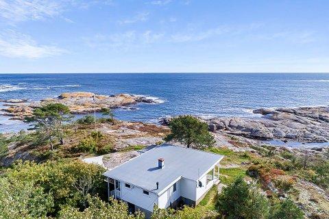 DRO OPP SNITTET: Denne hytta mellom Fie og Krabbesund gikk for 11,8 millioner kroner i 2020.