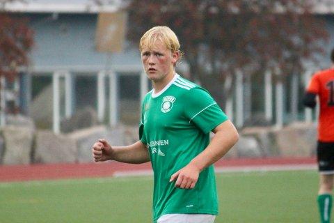 AVGJØRENDE PÅ TAMPEN: Ludvig Frøyna-Leivann scoret mål og satte opp Trygve Berger Ausland i sluttminuttene. Det gjorde at Risør vant 3-1 over tabelltoer Sørfjell.
