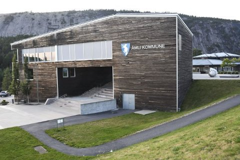 Seks menn og fire kvinner vil bli organisasjonssjef i Åmli kommune.
