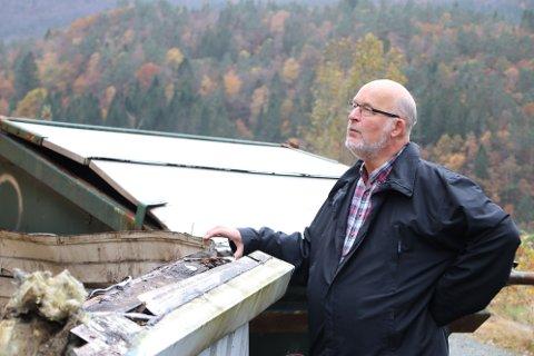 Egil Haraldsen i E. H. Bilsenter konstaterer at skadene på bygget ble store