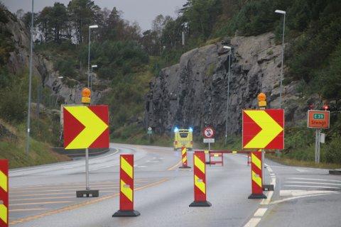 Det går mye penger til å drifte og vedlikeholde E39-strekningen fra 2006 over Kvinesheia. I statsbudsjettet for 2020 går det 63 mill. ekstra til tunneloppgraderingen som pågår nå.