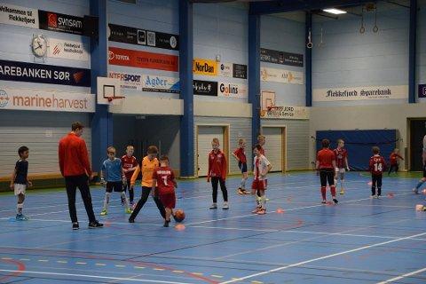 FOTBALL: Natt-turnering er en sikker vinner for å skape idrettsglede og engasjement.