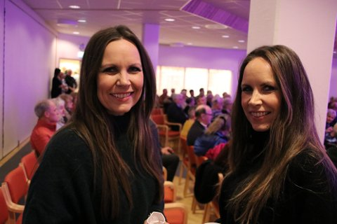 HEIM: Tvillingsøstrene Kari Jeppestøl Arntzen og Anne Jeppestøl Engedal fra Vennesla synger i gruppa «Heim».