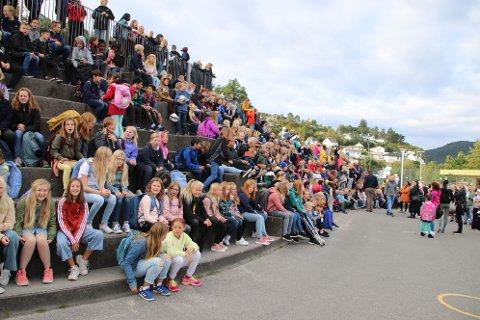 GODT MILJØ: Skolemiljøet på Sunde skole (bildet) og de andre skolene i Flekkefjord kommer godt ut i undersøkelser. Nå skal arbeidet for et godt og trygt skolemiljø også løftes frem for bystyret.