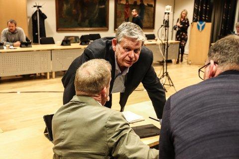 Odd Omland på forrige kommunestyremøte i Kvinesdal. Foto: Lars Frøsland