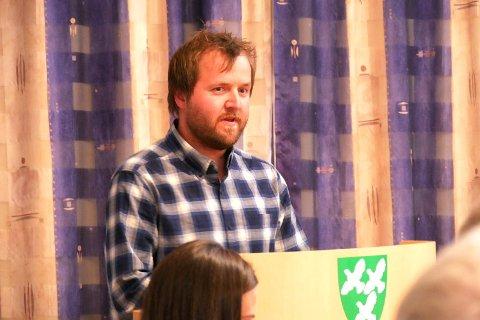 UTÅLMODIG: Morten Ovedal (SB) ønsket en rask løsning på regnskapsproblemene, og fikk flertall for sitt forslag i kommunestyret.