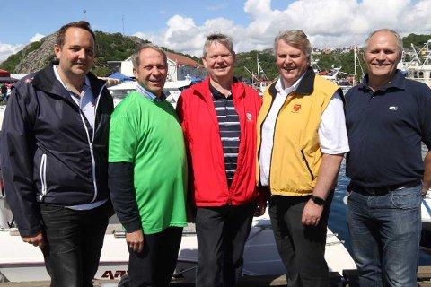 Gisle Saudland Frp, Ole Magne Omdal Sp, Odd Omland AP, Hans Fredrik Grøvan Kr.F. og Jan Sigbjørnsen H.