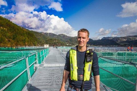 NYSTARTET: Daglig leder Daniel Danielsen var fornøyd med åpningen av Norsk Ørret i Sirdalsvatnet nylig. Nå er selskapet med i finalen om årets sjømat - oppdrett i Det Norske Måltid med Sirdalsørret.   Foto: LARS FROSLAND