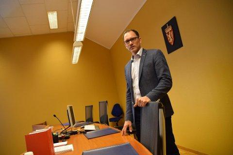 NY SORENSKRIVER: Robert Versland har arbeidet som sorenskriver i Lister tingrett i flere år. Nå får han «ny» jobb som sorenskriver i nye Agder tingrett.