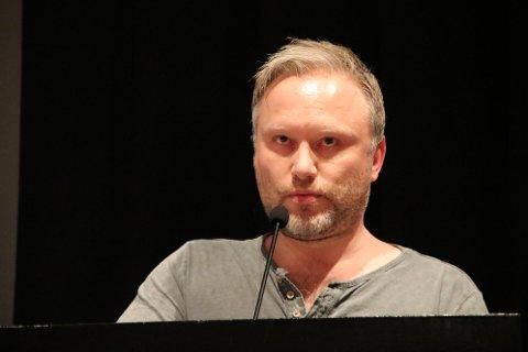 Lars Nedland var en av tre «innledere» til debatten i Sirdal fredag kveld