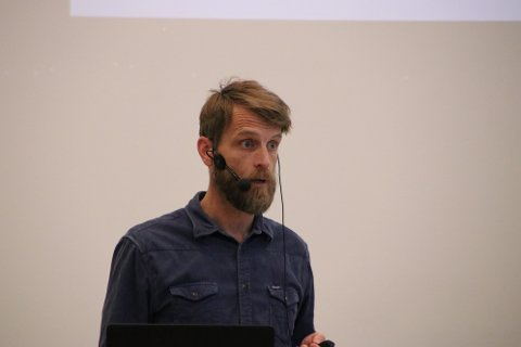 Arne Mikalsen presenterte planene for Farsund lufthavn Lista.