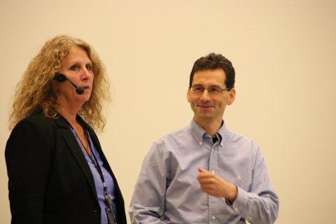 JOBBER FOR LISTER: Arbeidet med planprogrammet for «Regionplan Lister 2030» ble presentert av Lisbeth Reed og Manuel Birnbrich fra Vest-Agder fylkeskommune.
