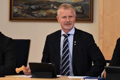 SKUFFET: Ordfører Thor Jørgen Tjørhom (SP) er skuffet over valgresultatet, og regner med at ordførerklubben går til Jonny Liland i Arbeiderpartiet.