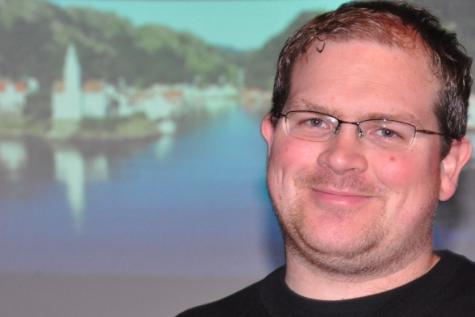 Leder Frank Jørgen Østhus i Hidra velforening