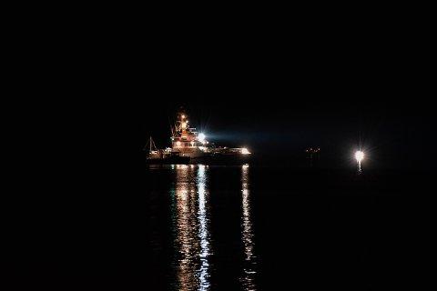 FRI: Redningsselskapet bisto i å trekke fiskebåten av grunn lørdag kveld.