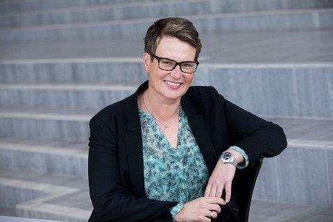 STATLIGE ARBEIDSPLASSER: Fylkesrådmann Tine Sundtoft er positiv til å bruke 250.000 i året av fylkeskommunens penger til lobbyaktivitet for statlige arbeidsplasser.