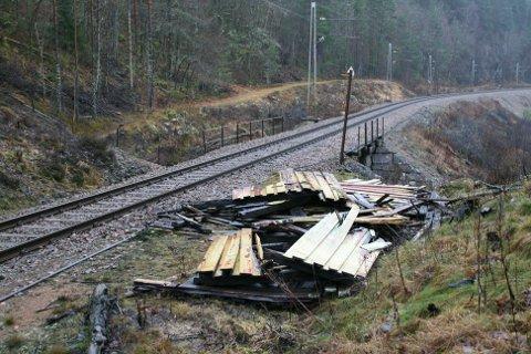 REVET: Fedog holdeplass på Sørlandsbanen er jevnet med jorden. Foto: Agnar Klungland