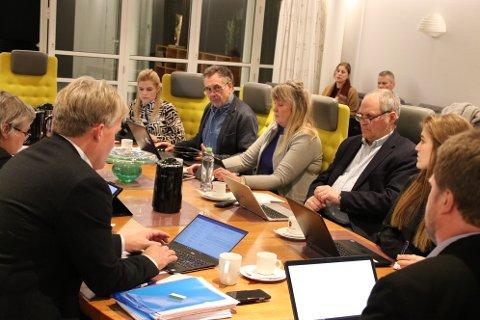 TØFFE TIDER: Formannskapet og resten av politikerne i Flekkefjord får en tøff vår.