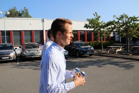 Kai Steffen Østensen forteller at Ap i dag vil fremme et forslag mot utvidet konsesjon for Skorveheia vindkraftverk.