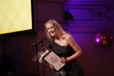VINNER: Karen Elene Thorsen (Fattig Student) ble kronet til årets influencer i kategorien mat.