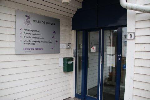 NY YTTERDØR: Ny ytterdør pga. sikkerhet for ansatte i helseadministrasjon Fjellgaten koster 150.000 kroner