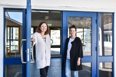 HAR SØKT: Rektor Magnhild Eia trenger vikar nå som hun skal være ordfører. Inspektør Tina Skalstad (til høyre) er blant søkerne på listen.