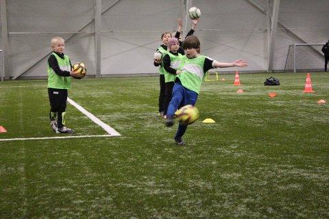 GÅR GLIPP AV INNTEKTER: Selv om Kvinesdal IL har startet opp med fotballaktivitet for barn og unge, går laget likevel glipp av inntekter fra kiosksalg i tilknytning til arrangementer.