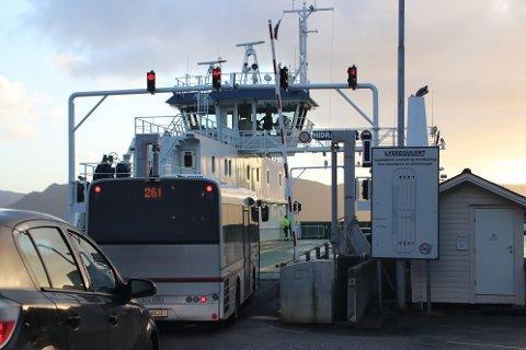 MÅ OPPGRADERES: Fylkesrådmannen foreslår at det i første omgang settes av fem millioner til ombygging av ferjeleiene for ferjene til Andabeløy og Hidra.