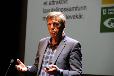 «FAGLIGE ARGUMENT»: Rektor Tor-Inge Rake mener en samlokalisering av avdelingene i Kvinesdal og Flekkefjord vil kunne gjøre at flere tilbud vil kunne bestå.