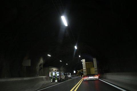FEDAHEITUNNELEN: Det arbeides og testes også i Fedaheitunnelen (bildet), men i motsetning til de andre er denne stort sett åpen for trafikk.