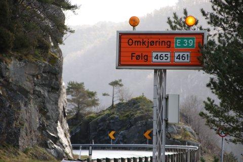 OMKJØRING: Det blir til uken omkjøring over Kvinesheia på grunn av kvelds/nattestengingen av E39.