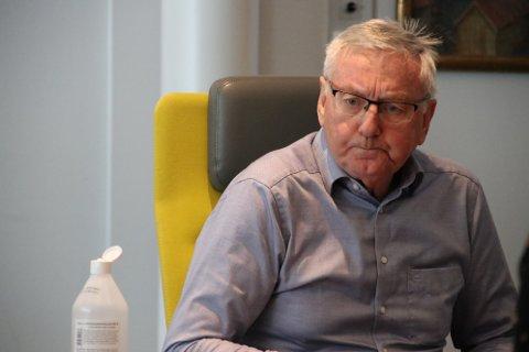 SLETT JOBB: – Fylkespolitikerne har gjort en slett jobb og påfører fylkeskommunen og innbyggerne på Hidra ekstra millionutgifter, fremholder tidligere ordfører Sigmund Kroslid.