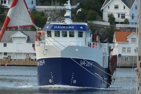 GOD SESONG: «Havsund» av Hidra på vei inn til fiskerihavnen i Kirkehamn sist fredag.