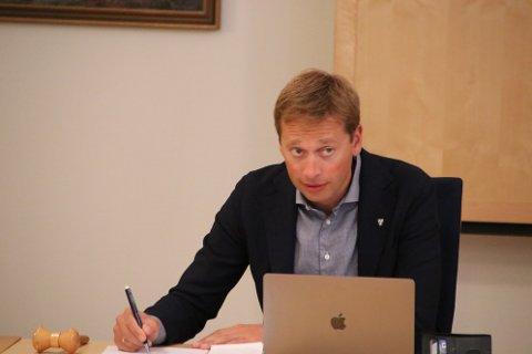 FORHANDLINGER STRANDET: Ordfører Jonny Liland opplyste i dag at han mener at kommunen bør stevne Tonstad vindpark for retten.