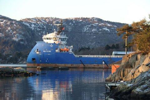 OPPLAG: Supplyfartøyet Sea Flyer ligger nå til kai på Abelnes i Flekkefjord. Foto: Alf Sverre Torgersen