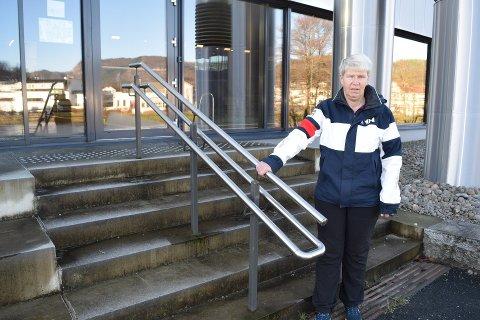 ETTERLYST UNIVERSELL UTFORMING: Marit Londal er blant dem som har etterlyst bedre løsninger for handicappede og andre med funksjonshemninger i Kvinesdal.