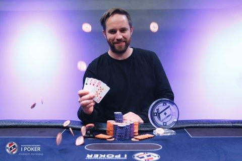 NORGESMESTER: Thomas Valand fra Flekkefjord vant Norgesmesterskapet i Poker, i kategorien pot limit omaha. En vanvittig prestasjon!
