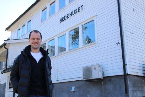 LEDER: Tormod Helland (38) er ansatt i full stilling i Norsk Luthersk Misjonssamband (NLM) med en halv stilling i Sirdal Bedehusforsamling og en halv stilling som områdearbeider i NLM region sør-vest.
