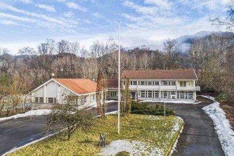 SOLGT: Det tidligere bankbygget på Sira er nå solgt.