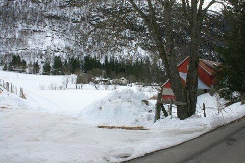 OUSDAL: Mye snø ennå i Ousdal.