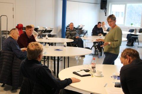 UTSETTELSE: Tove Sinnes (KrF) fikk med seg utvalget på en utsettelse for å vurdere muligheten til å gi Oasen skole maksimalt tre år dispensasjon til drift på Eikeneset ved Egenes.